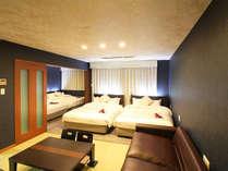 ・【スイートルーム】ダブル4台+ダブルサイズのソファベッド1台になります