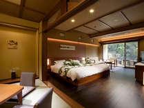 東館客室(半露天風呂付 ツインベット+和室10畳)