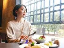 レストランからは京を感じる東本願寺が見える(朝食イメージ)