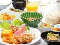 朝食バイキング無料サービス!ご利用時間:6:45-9:00