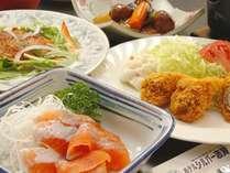 信州の旬な幸をふんだんに使った和洋折衷のお料理を提供させていただきます!是非ご堪能ください♪