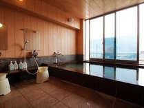 えぼし岩と河原子港を望む展望風呂♪無料貸切利用可能!詳しくはお問合わせください。
