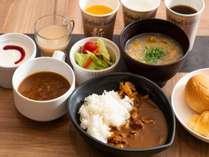 ◆朝食(トマトチキンカレー/鶏野菜粥)※写真はイメージです