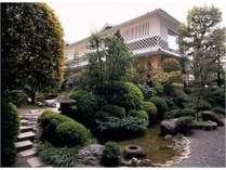 庭園(大浴場外観)