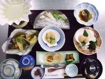 オホーツク海鮮を中心とした夕食(内容は季節で変わります)