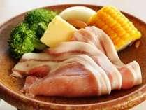豚肉をメインに、季節感を感じるアレンジ、食材を活かした会席料理をご堪能ください。