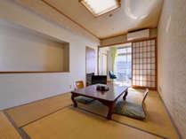 *和室6~7.5畳(客室一例)/一人旅やカップルでのご宿泊に◎足を伸ばしてのんびりとお寛ぎ下さい。