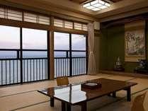 海際に建つ宿だから、全室海を見渡せます。