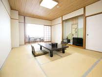 【和室12畳】客室一例。全室オーシャンビュー♪ 広々12畳のお部屋で、ごゆっくりお寛ぎください!