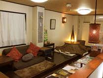 1階のリビングルームでは外国からのゲストさんとの国際交流も楽しめますよ。