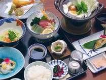 メインに温泉湯豆腐をご用意した「つぼ湯コース」