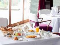 別料金で朝食も承ります。ホテルならではの充実したメニューをどうぞ!