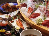 板長がこだわりぬいた季節の会席料理*豪華舟盛り会席の一例 ※舟盛は4人前になります*