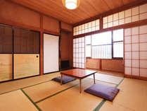 和室8畳◆河口湖を眺め静かに過ごすことができます
