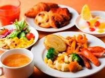 【イル・キャンティ・エスト】1F イタリアンレストランにておいしい朝食を…