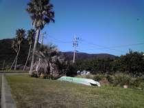 施設内の芝生でカヤック・キャンプ、バーべキュウが楽しめます(要予約)