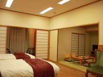 【特別室 和室8畳間】3世代などご人数の多いお客様にも好評です。