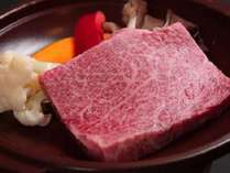 幻の銘牛「倉石牛」陶板ステーキ