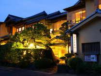 創業二九〇年、和の情緒と丹後の幸に心を癒される宿 茶六別館 (京都府)