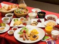 和洋のブッフェスタイルの朝食です。