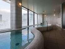 この立地で最上階にある大浴場だからこそ、普段と違った解放感が伝わります。