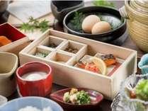 【朝食】ボリュームあり尚且つヘルシーなこだわりの健康朝ごはんも人気です。