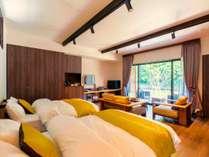 【洋室スイート】シモンズ社製のベッドと和室、榊原温泉の露天風呂がひとつの棟に。