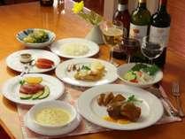 自家栽培の高原野菜と特製ソースが好評の手づくりディナーです。