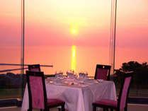【レストランからの夕日】是非、西に沈む美しい夕日を一度はご覧ください。