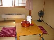 6帖キッチン付き清潔なお部屋鍵もかかります。