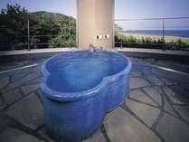 2階名月の露天風呂(信楽焼)