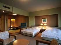 「白蝶館 白蝶タイプ」6畳の和室にツインベッドの洋室、バルコニーがついた61平米の和洋室