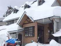 冬の外観イメージです。飯山は雪が大変多い地域です。