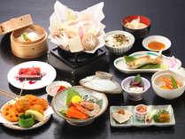 贅沢プランの夕食お料理:メイン肉料理「上州麦豚豆乳鍋(10月~2月にご宿泊の方)」