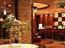 欧風インテリアがおしゃれなロビー♪リゾートホテルならではの優雅な気分を満喫してください☆