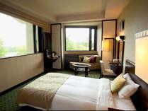 *窓から自然風景がゆったり望めるコーナーツインルーム!