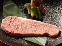 【肉づくしDX】焼物のサイコロステーキを追加料金でサーロインステーキに変更できます!