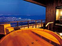 4階の露天風呂から見る夜景は感動の一言!