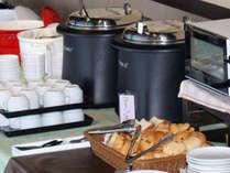和食だけでなくパンやスープもご用意しております。