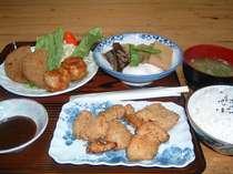 夕食F メンチカツ シュウマイ揚げ 鮪甘煮 煮物