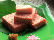 国内屈指の黒毛和牛 最上級の「宮崎牛」。その豊潤で奥深い味わいは、国内外で最高の評価を得ています。