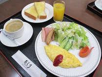 *【朝食一例】爽やかな朝の空気の中で、美味しいお食事を食べればすっきりお目覚め♪