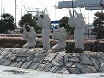 大洗埠頭(この像の前に立つと磯で名所の民謡が流れてきます♪)