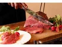 ローストビーフも食べ放題に!※季節により料理内容が変わります。