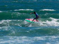 忙しい毎日をはなれ、ゆっくりとした時間でのサーフィンを楽しんでください。