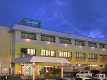 ▼ユーランドホテル八橋「地元では日帰り温泉としても親しまれ、広々とした大浴場とサウナが自慢のホテル」