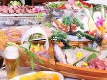 漁港から水揚げされた新鮮な魚介類や地産の旬食材を使った贅沢夕食バイキング☆