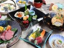 個室の食事処で楽しむ『旬彩味覚会席料理』
