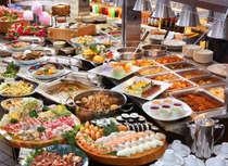 【森のバイキング】 焼肉、海鮮、野菜、お寿司、季節の味覚等の全40種類。