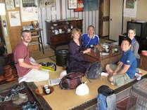 御宿【飯山館】昔ながらの、帳場風景です。外国人観光客の方にも、大変気に入られています。